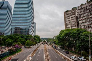 Foto da Avenida JK, em São Paulo