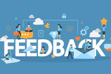 Ilustração de pessoas com a palavra feedback