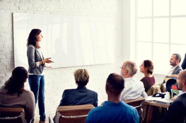 Por que investir em treinamento para os seus funcionários